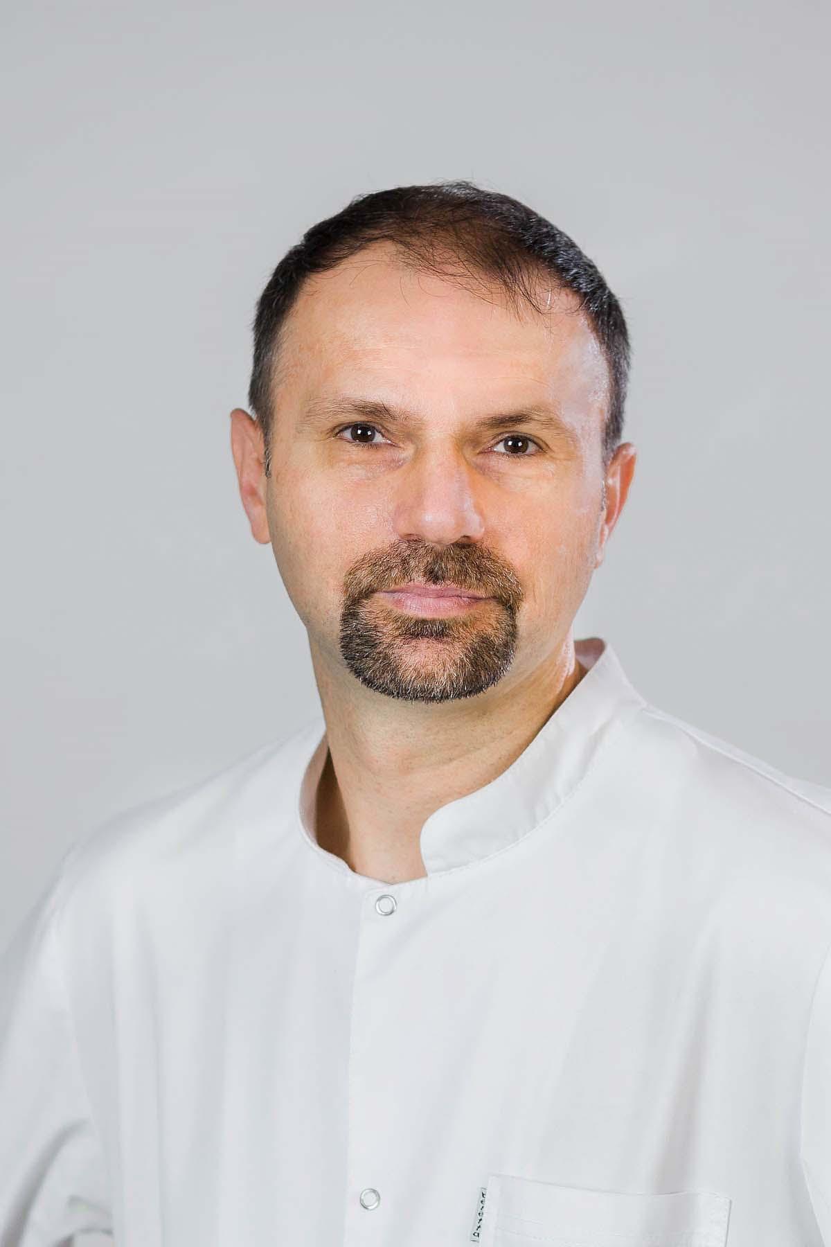 lek. Adrian Kotas